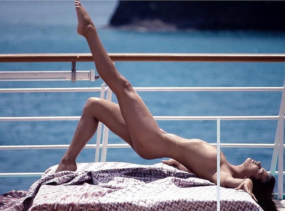 Luiza Brunet relembra ensaio fotográfico de 1987 feito em embarcação